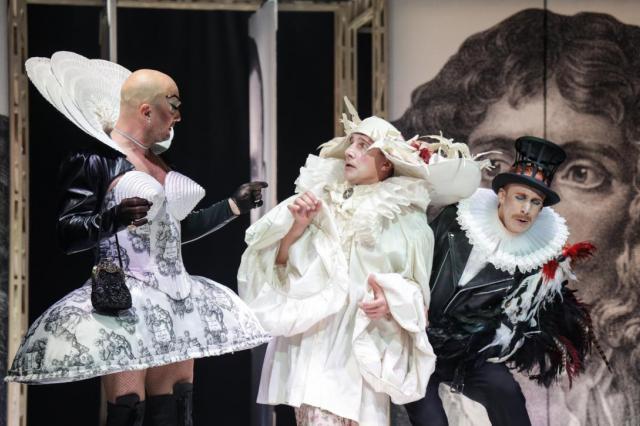 «МОЛЬЕР, avec amour» в Театре Олега Табакова: искромётная феерия чувств и зажигательный калейдоскоп эмоций!