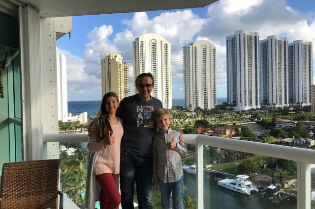 Рома Жуков откроет семейный ресторан в Майами