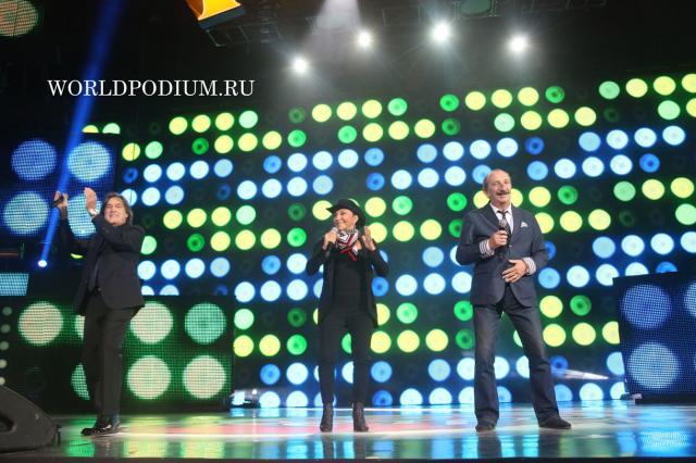 Ricchi E Poveri (Легенды Ретро FM 2015) Фото он-лайн трансляция
