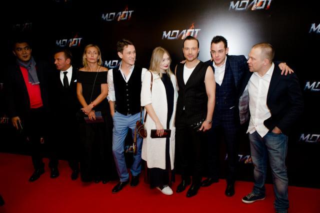 Российские знаменитости посетили премьеру фильма «Молот»
