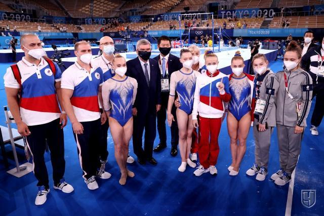 Впервые в истории российские гимнастки выиграли титул Олимпийских чемпионов в командном многоборье