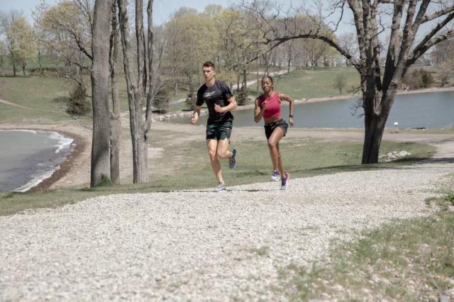 Reebok представил кроссовки для бега по треку, трейлу и бездорожью
