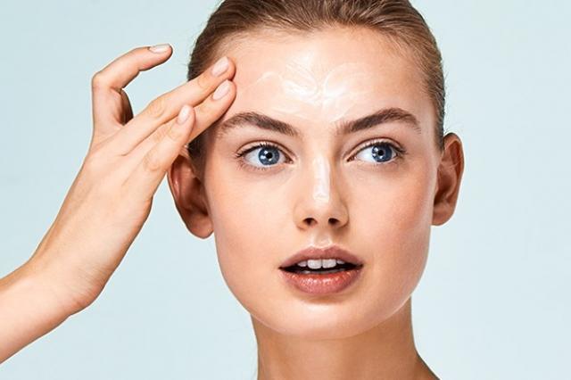 Средства, способствующие регенерации кожи и обновлению верхнего слоя эпидермиса