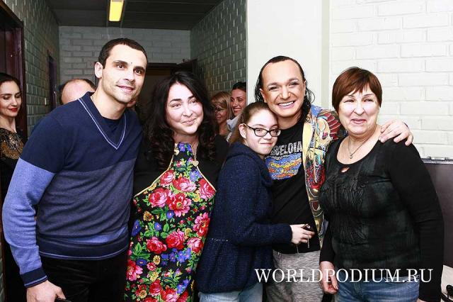 Борис Моисеев пригласил Лолиту с семьей отпраздновать Всемирный День Театра в Цирке!