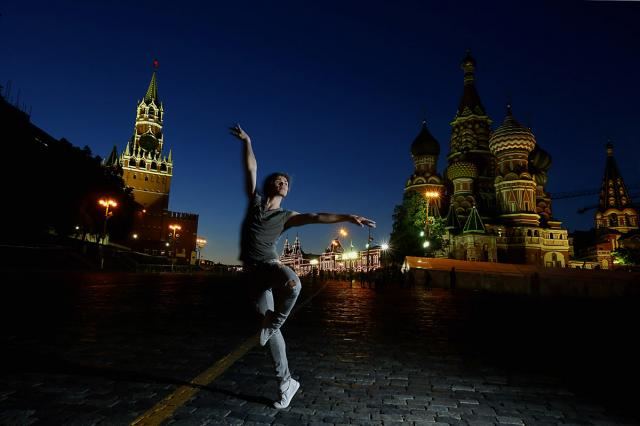 Звезды балета Большого театра Анна Тихомирова и Артем Овчаренко в фотопроекте Виктора Горячева