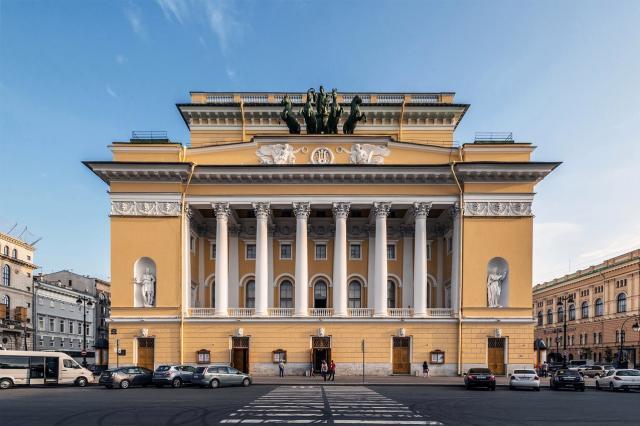 На Новой сцене Александринки представили спектакль по произведениям Твардовского