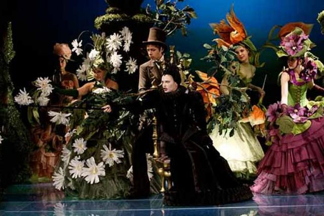 Герои кэрролловской «Алисы в Зазеркалье» отпразднуют 145-летие сказки спектаклем на льду