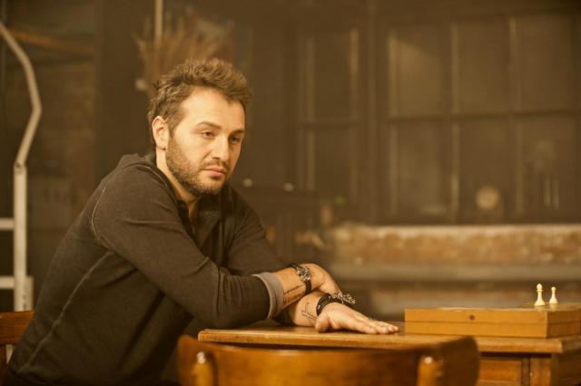 Авет Саркис показал боль расставания в дебютном клипе