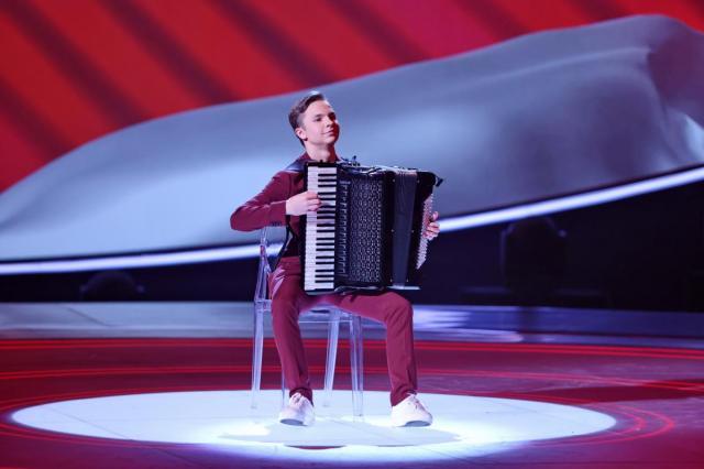 В репертуаре Дениса Мацуева нашлись застольные песни: новый выпуск детского конкурса талантов «Синяя птица»