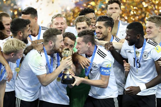 «Один мяч — тысячи историй. Футбол в Германии»