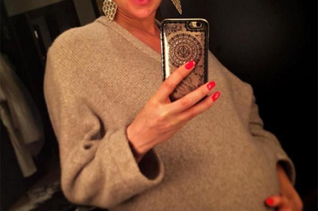 Олеся Судзиловская во второй раз стала мамой
