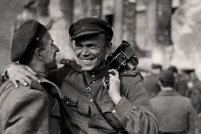 Имена тех, кто снимал войну: вышла последняя серия проекта о фронтовых операторах