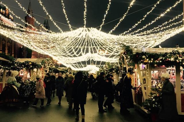 Новогодняя атмосфера в центре Москвы