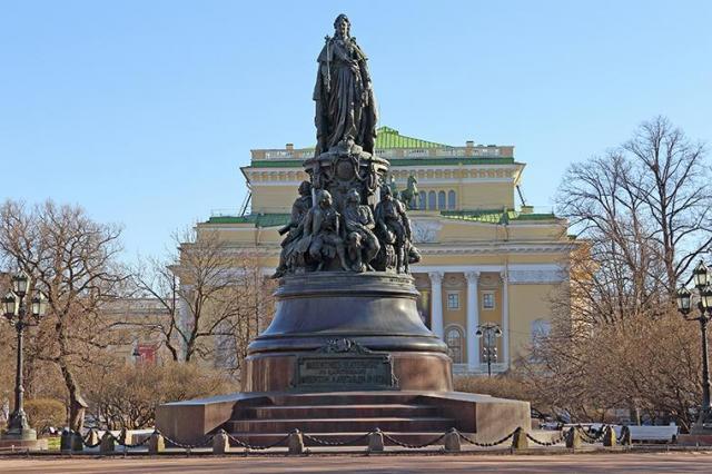 Создатели «Игры престолов» снимают в Петербурге сериал про Екатерину II
