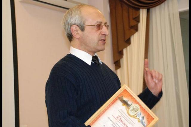 Писательская организация скорбит по поводу смерти поэта из Астрахани Дмитрия Казарина