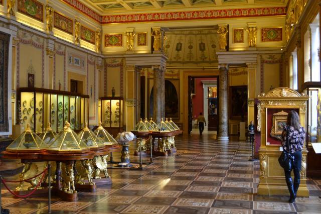 В Эрмитаже предложили разработать российскую беспроводную систему защиты картин в музеях