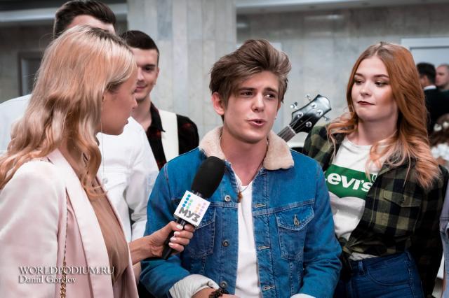 Звезды поздравили зрителей Кремлевского Дворца с Днем Влюбленных