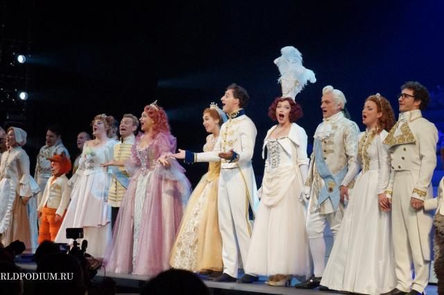 «Доказано… что мечтать должна простая девушка о Принце…» Премьера мюзикла «Золушка» - волшебная сказка, искусно воплощённая в реальность! Часть 2