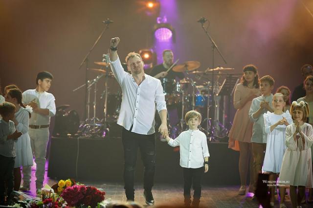 Михаил Бублик с сольным концертом в Крокус Сити Холле: «Жизнь за два часа!»