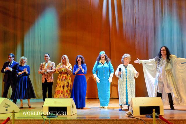 В зале Церковных Соборов прошел концерт Ларисы Рубальской