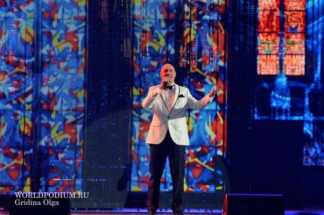 Денис Майданов представил песню «Учитель» накануне Дня знаний