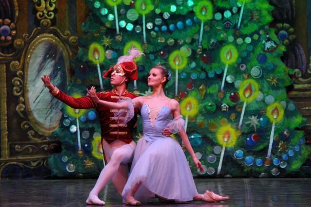 Премьера балета «Щелкунчик. Новая версия» на сцене Московского культурного фольклорного центра Людмилы Рюминой