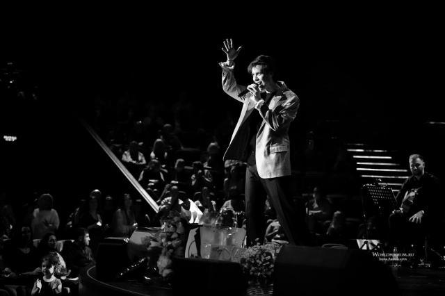 «Ближе к небу!»: сольный концерт Марка Тишмана в Вегас Сити Холле