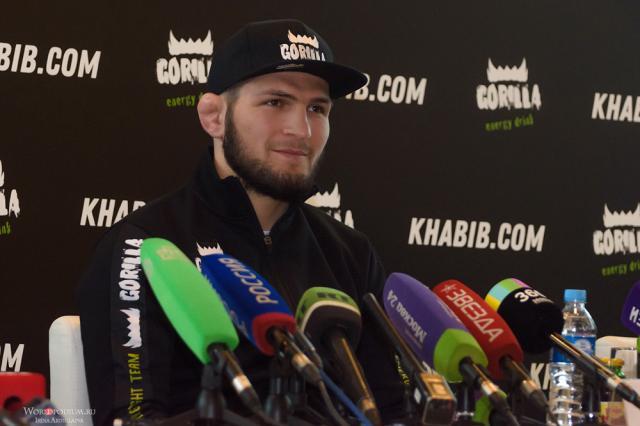 Хабиб Нурмагомедов призвал соблюдать самоизоляцию