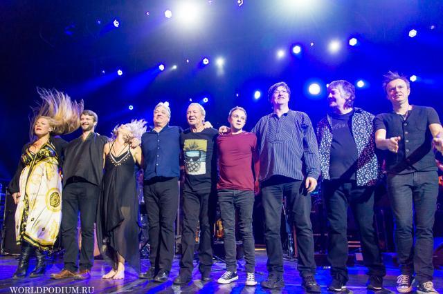 На сцене Кремля - музыкант Ян Гиллан с хитами «Deep Purple», за режиссерским телевизионным пультом – Роман Родин!