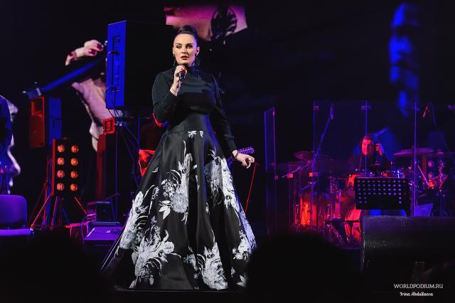 Грандиозный концерт Елены Ваенги на сцене Государственного Кремлёвского Дворца