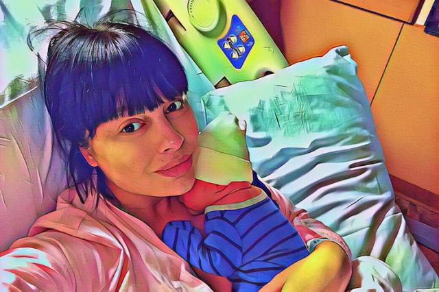 Звезда «Дома-2» Нелли Ермолаева родила первенца в США