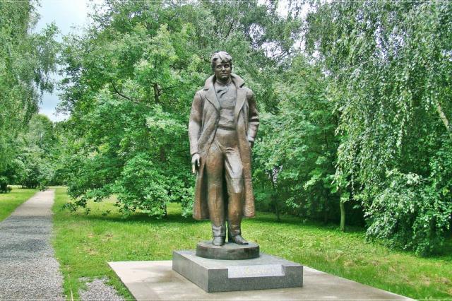 В Хорватии открылся памятник Сергею Есенину
