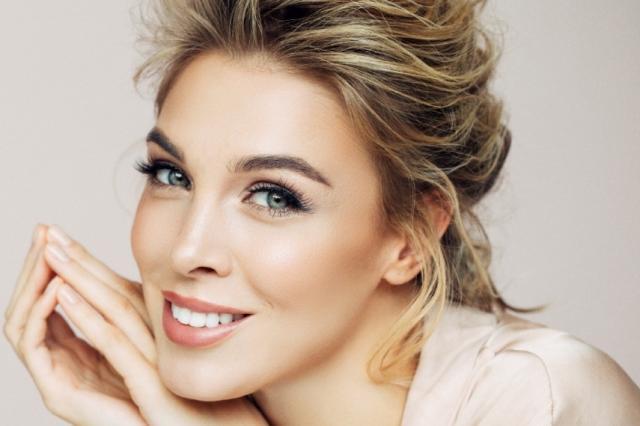 Откройте омолаживающую силу фильтрата секрета улитки и обрамите красоту матирующей пудрой: новинки Eveline Cosmetics
