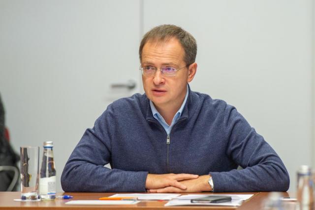 Владимир Мединский провел встречу с участниками Синепозиума