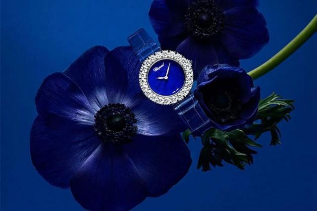 Украшения и часы с «сильными» синими камнями