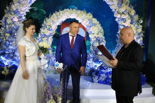 Доминик Джокер зарегистрировал брак в подводном царстве