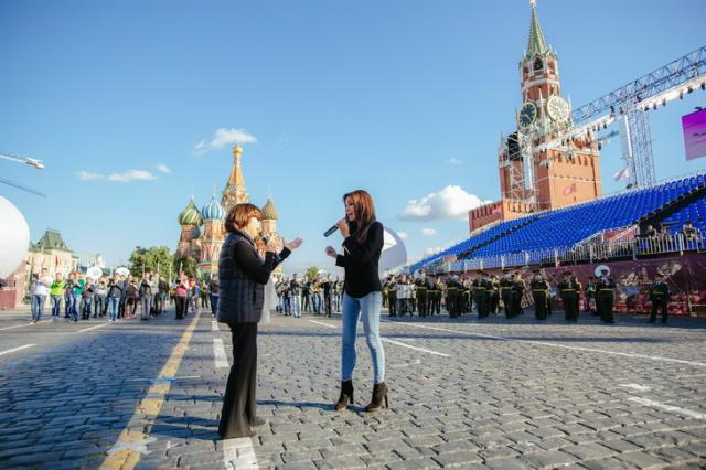 Мирей Матьё и Зара споют дуэтом на Красной площади
