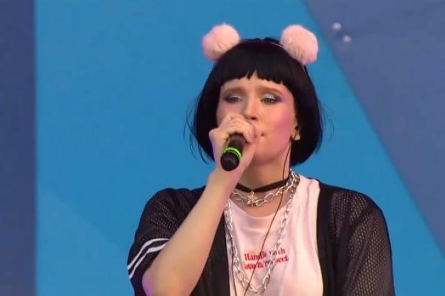 Певица Монеточка снялась в новом клипе в Петербурге