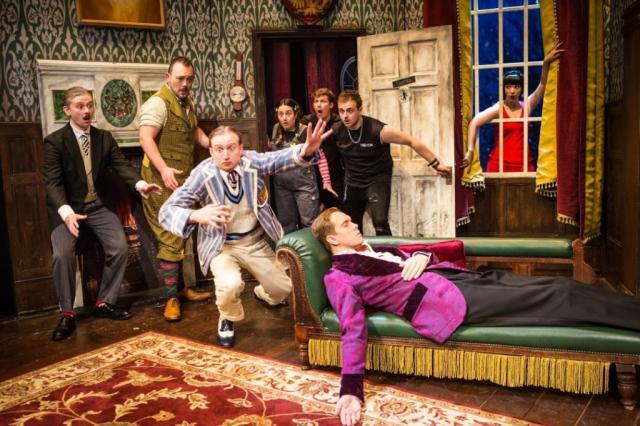 «Очень смешная комедия о том, как ШОУ ПОШЛО НЕ ТАК» — первый немюзикл на крупнейшей мюзикловой сцене России