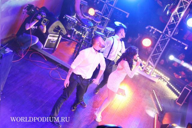 #РайОдинНаДвоих. Большой сольный концерт Artik & Asti прошел в Москве