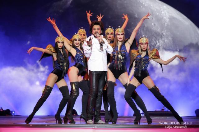 Филипп Киркоров перенес все свои весенние концерты, в том числе три концерта в Кремле