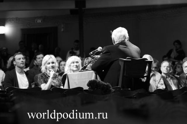 Сбор труппы в МХТ им. А. П. Чехова