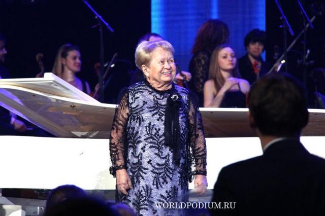 «Ты моя мелодия, я твой преданный Орфей!»: Александра Пахмутова отмечает День рождения