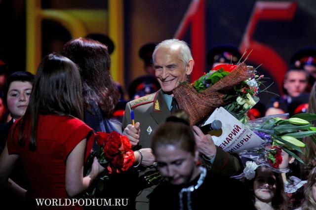 """Василий Лановой удостоен премии """"Хрустальная Турандот"""" в самой почетной номинации"""