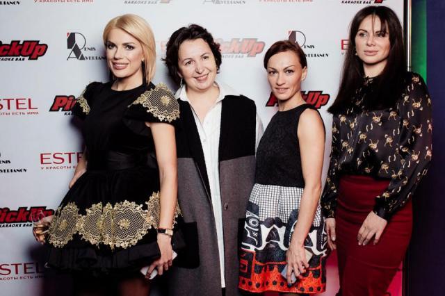 Катя Гусева устроила модную пятницу в концептуальном караоке «PICK UP»