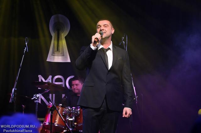 «Дорогие мои, ради Вас нет преград для меня!»: сольный концерт Сергея Куприка в Москве