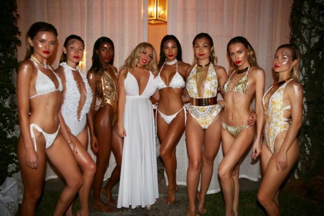Элия Чоколато провела показ в отеле Мадонны и выбрала Лили Кей лицом коллекции