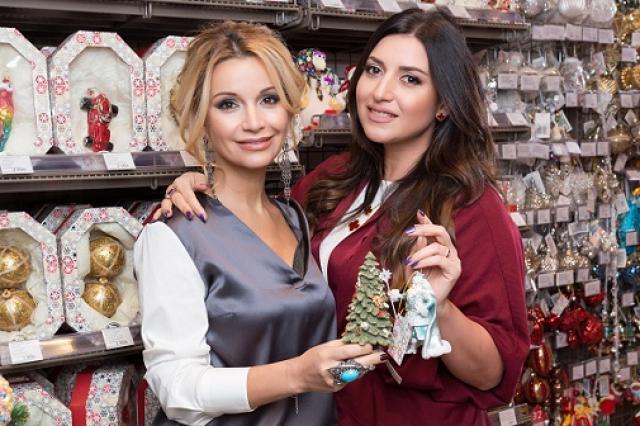 Российские знаменитости поделились новогодними желаниями