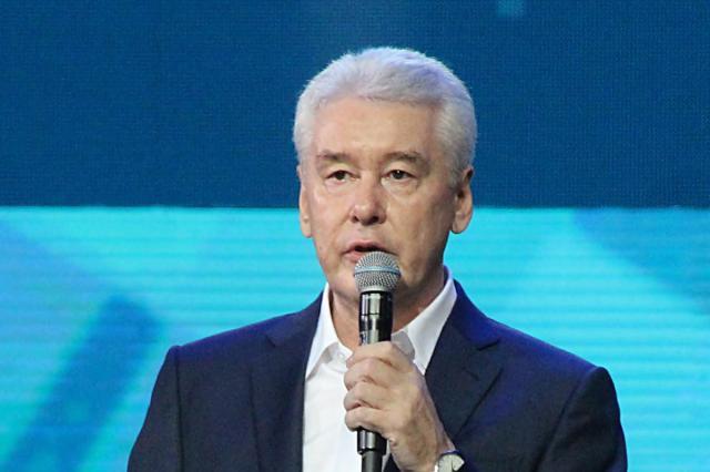 Сергей Собянин распорядился закрыть для посетителей рестораны и парки в связи с эпидемией коронавируса