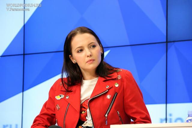 Максим Диденко и Юлия Хлынина в стриме «Одни дома»